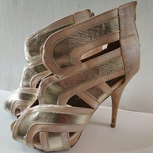 Shi by JOURNEYS Champagne/Beige heels Sz 7.5